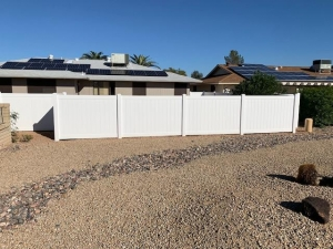 white vinyl fence for backyard