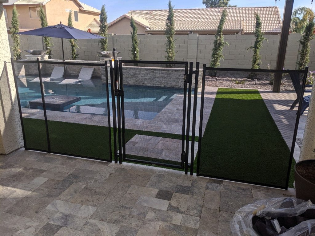child safe mesh pool gate